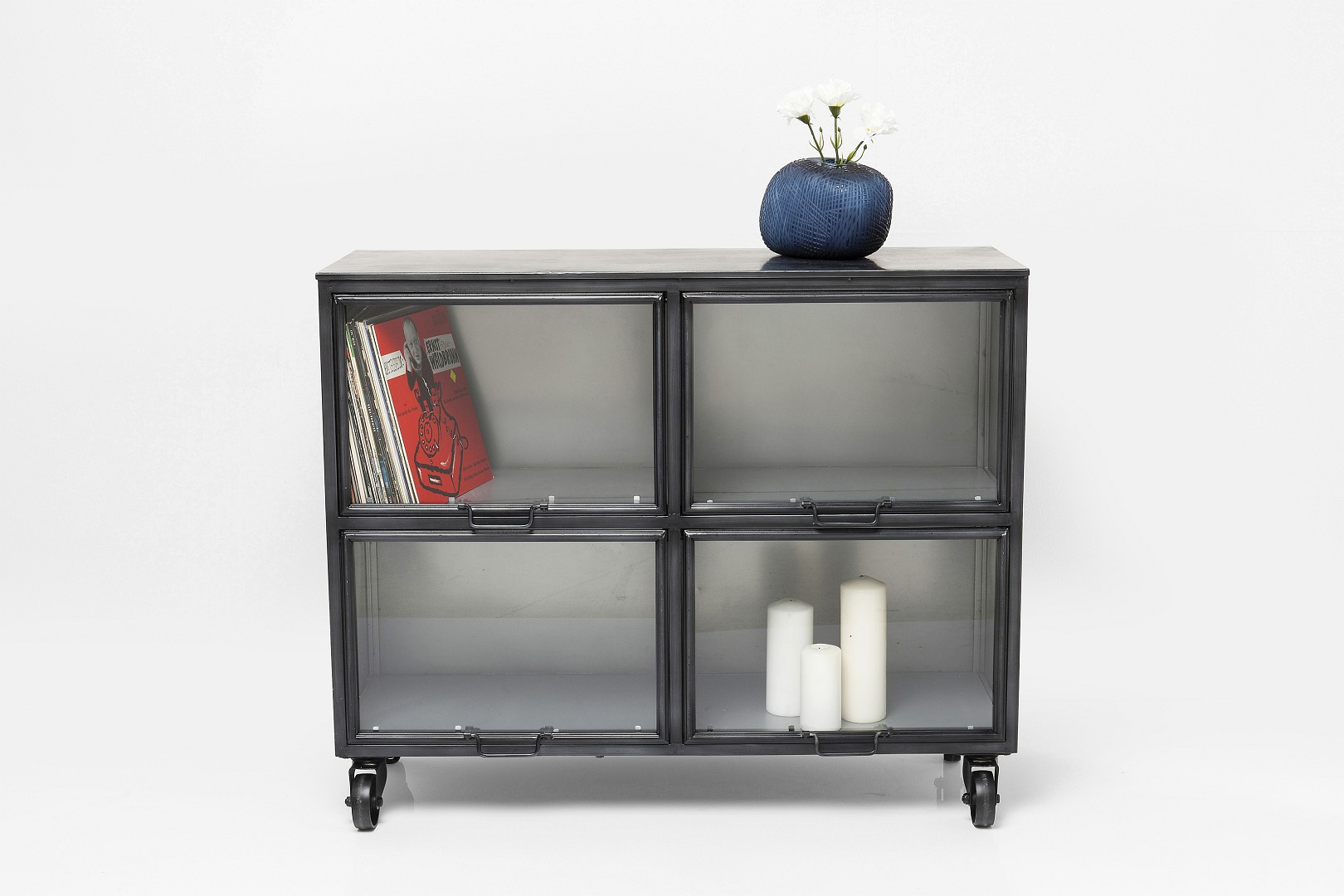 retro sideboards und kommoden im vintagehaus online shop. Black Bedroom Furniture Sets. Home Design Ideas